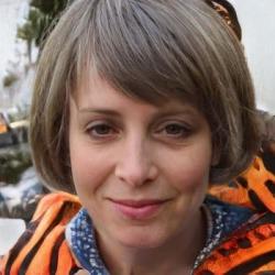 Stephanie Lynne